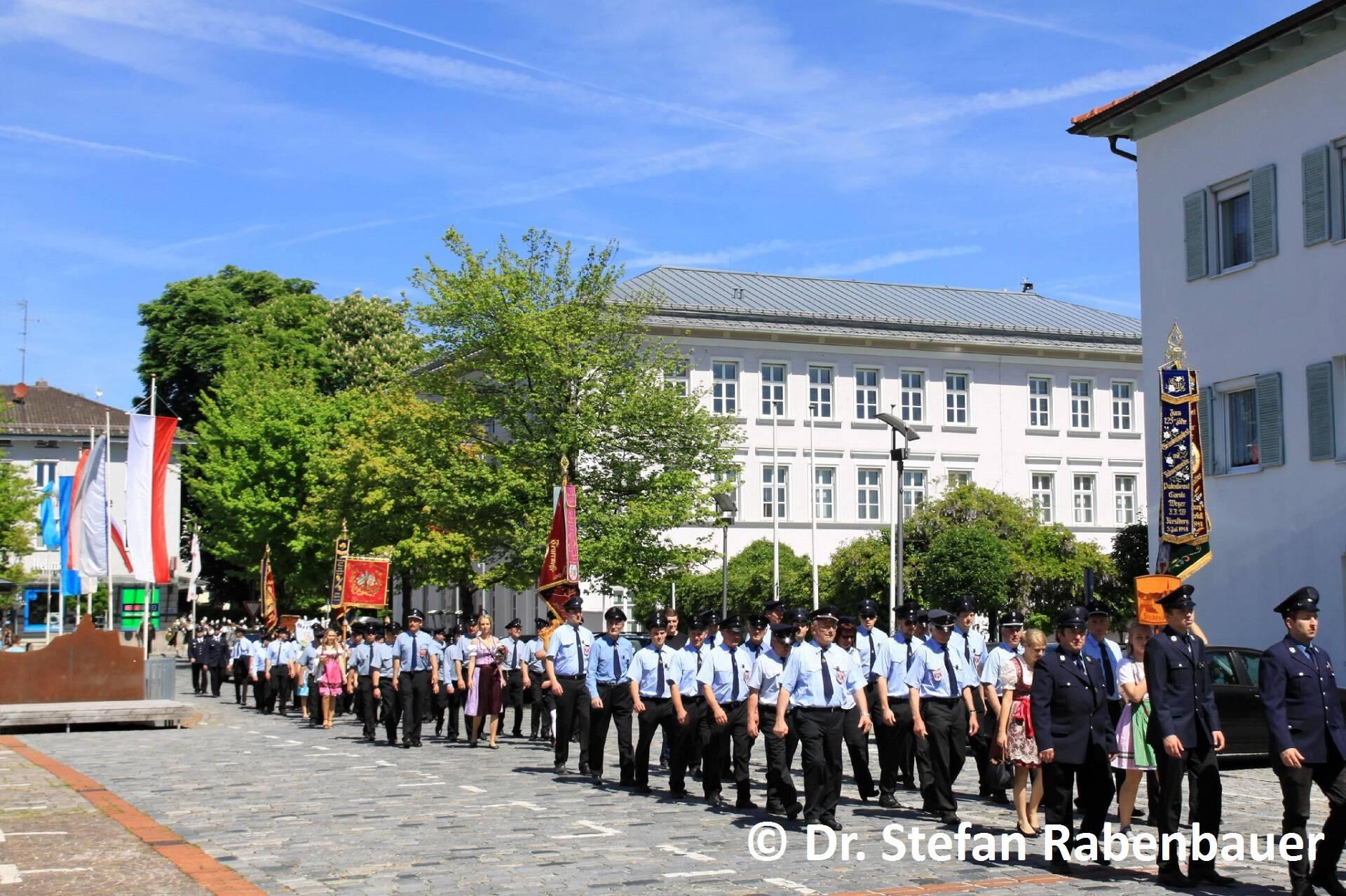 Festzug zum Kirchenplatz (21)