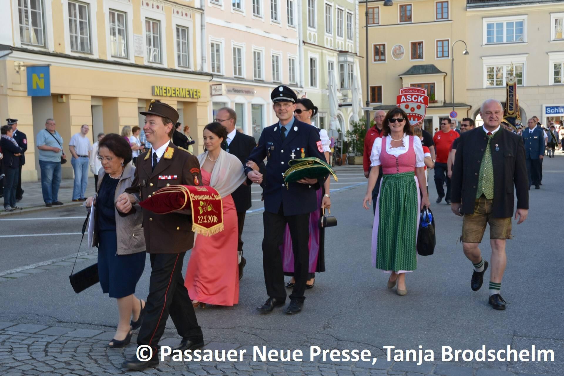 Festzug zum Stadtplatz (13)