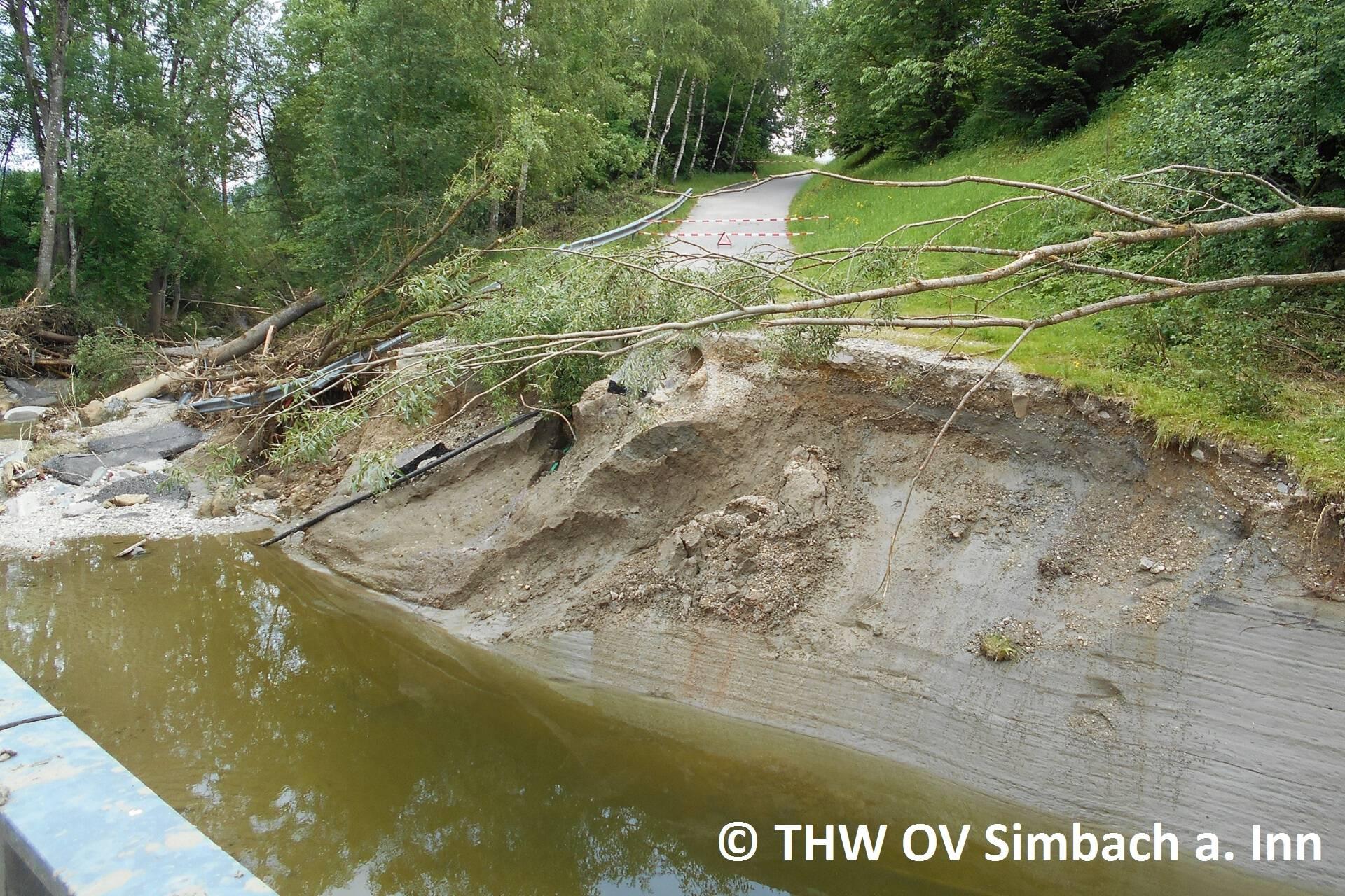 Auch in den Außenbezirken entstand enormer Schaden (3)