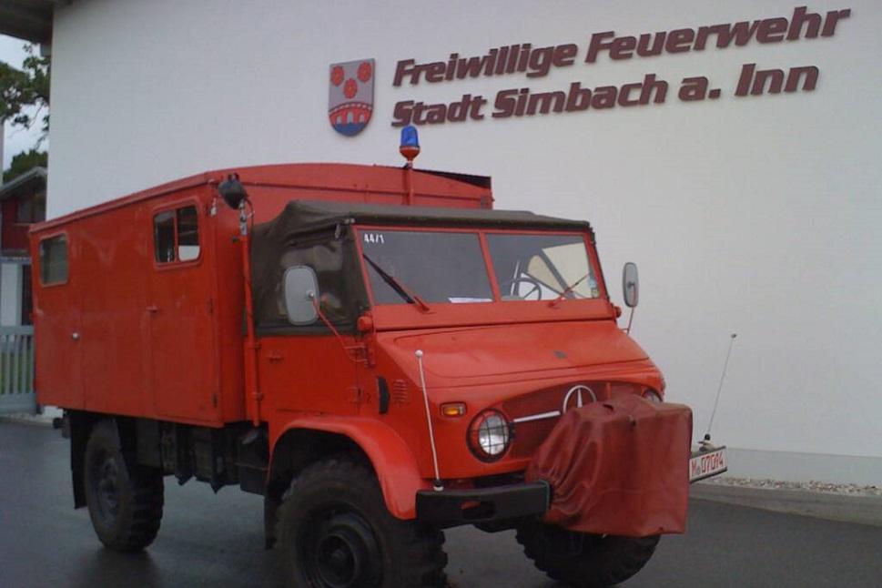 Tragkraftspritzenfahrzeug – Unimog