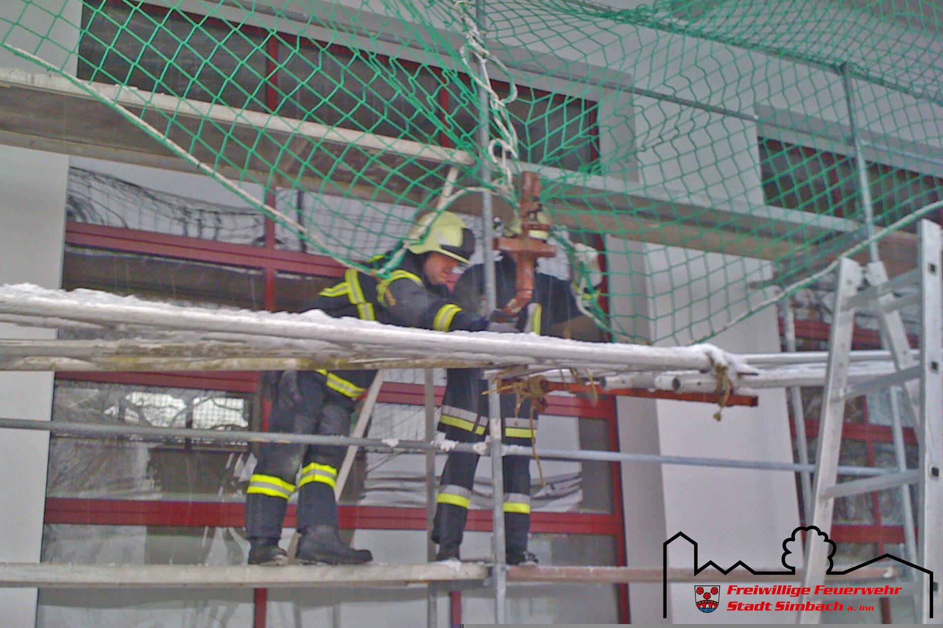 Gerüst sichern 06.02.2010 (9)